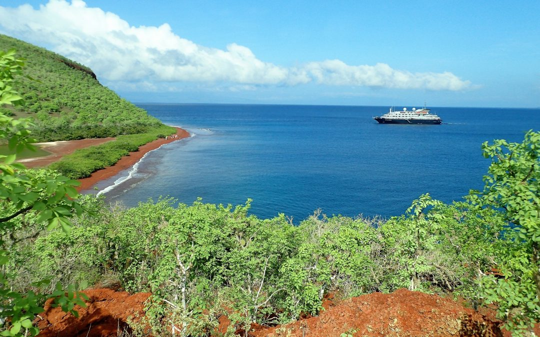 Choosing the Best Galapagos Cruise for Your Budget