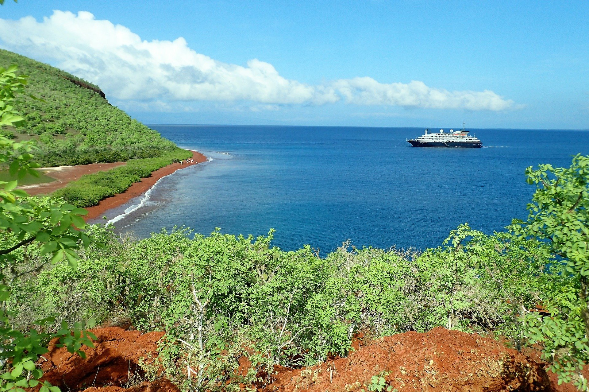 Galapagos with Cruise Ship